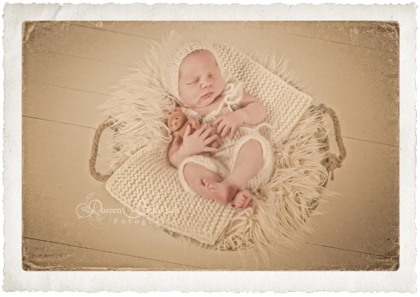 Fotos Papa mit Baby, Neugeborenenfotos Potsdam, Neugeborenenfotografie Potsdam, Fotograf Potsdam, Fotostudio Potsdam, Babyfotos Potsdam