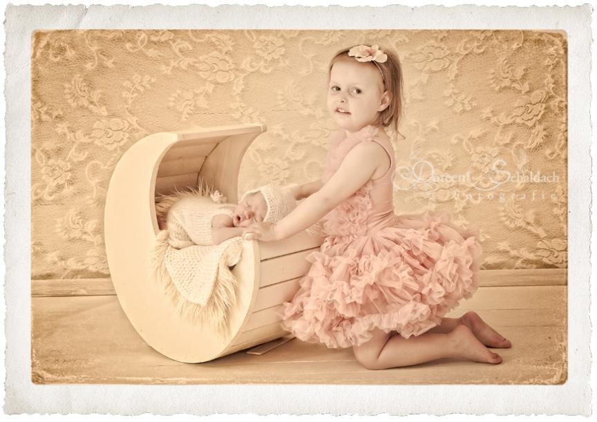 neugeborenenfotografie berlin, neugeborenenfotograf berlin, babyfotoshooting berlin, besondere babyfotos berlin, fotoshooting neugeborene berlin, babyfotos anne geddes, pampers, hipp, alete
